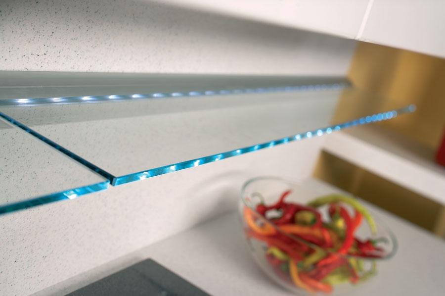 Как сделать подсветку для стеклянных полок